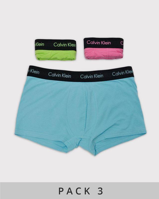 Imagen de Calzoncillos boxer flúor de Calvin Klein - Pack de 3